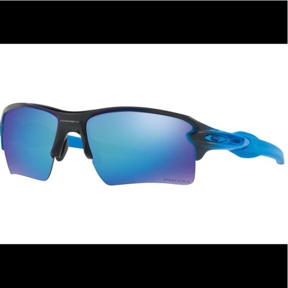 fcfbba7d076 Oakley Flak Jacket 2.0 Black   Blue iridium lenses